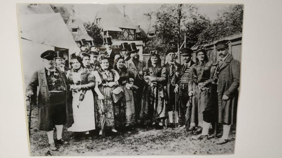 Tracht im oberen Vogtland; ausgestellt im Freilichtmuseum Eulabrunn