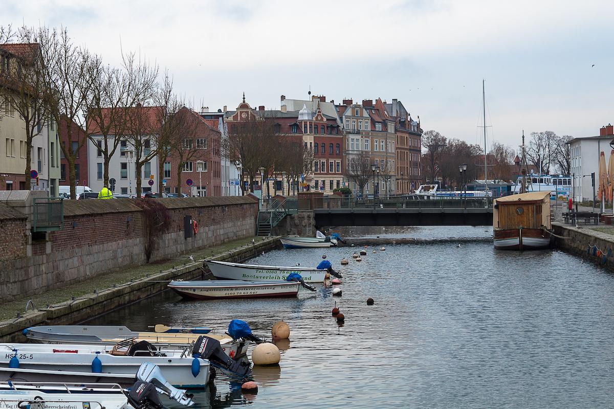 Der Stralsunder Hafen im Winter