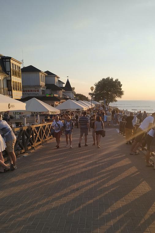 Ostseeurlaub Polen: Strandpromenade in Mielno