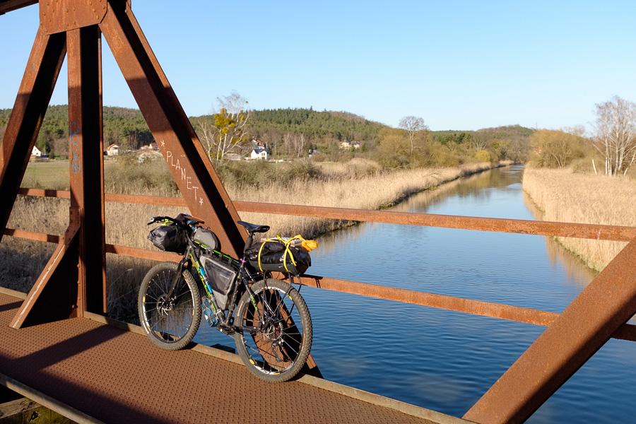 stillgelegte Brücke über die Alte Oder