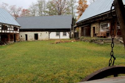 Ein historischer Hof im Freilichtmuseum Eubabrunn